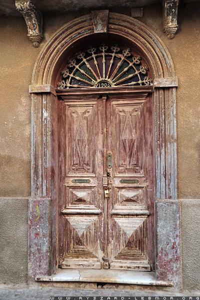 Bardzo stare drzwi