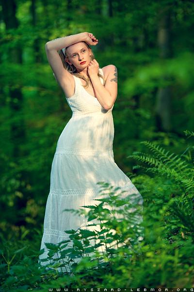 Romantyczny portret w naturze